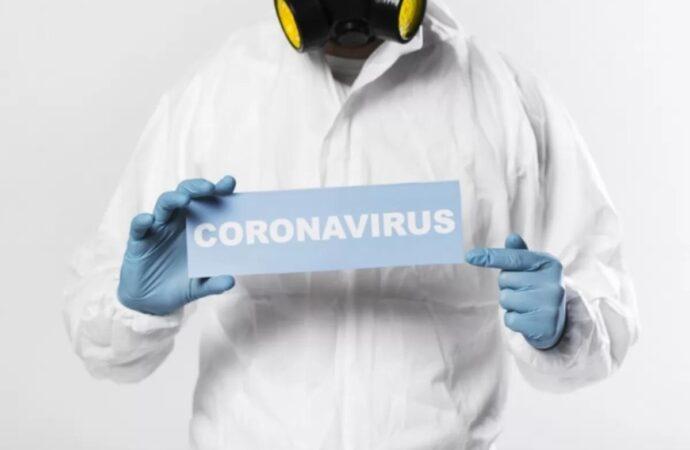 Майже половина українців вважають дії влади у боротьбі з коронавірусом безуспішними