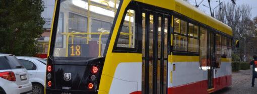 В Одесі пенсіонерка потрапила під колеса трамваю