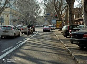 Выделенная полоса на улице Ришельевской: есть ли место одесским велосипедистам?