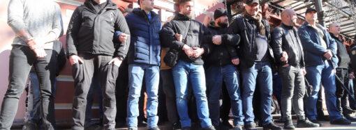 Бійки і сльозогінний газ: у центрі Одеси активісти намагалися завадити проведенню конференції ОПЗЖ (фото, відео)