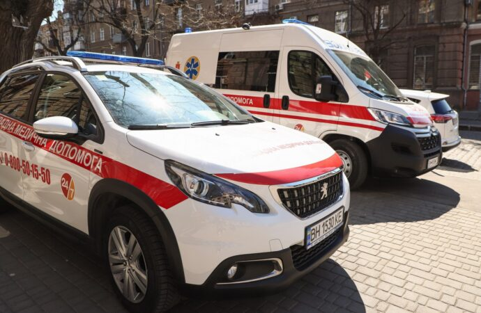В Одесі показали, які автомобілі виїжджатимуть до пацієнтів з підозрою на COVID-19 (фото)