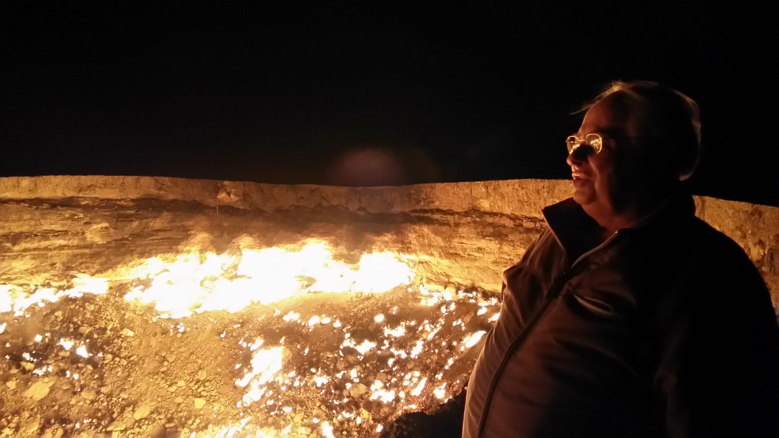 Единственное место на Земле, которое называют «Ворота в ад» или «Пасть дьявола». Сразу после окончания карантина в это уникальное место в Туркмении г-н Воронков собирается пригласить в пресс-тур украинских журналистов.