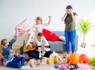 Подборка полезных идей: чем занять ребенка дома в карантин?
