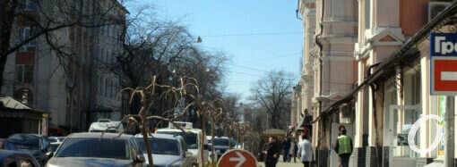 Улицы Одессы: «на усиленном карантинном режиме» (фото)