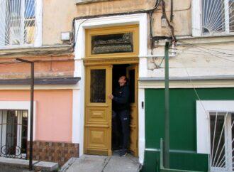 Во дворе на Коблевской отреставрировали историческую красоту (фото)