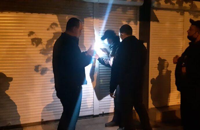 На поселке Котовского ночью изнутри взорвался торговый контейнер (фото)