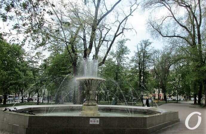 Архитектурные тайны: фонтан на Соборке появился благодаря Владимиру Филатову?