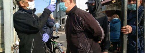 Как пропускают и что продают: в Одесской области после протестов открыли рынок