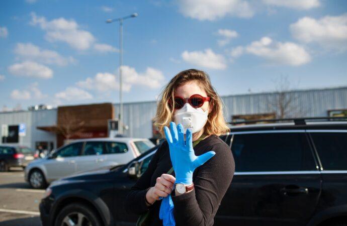 Спрашивали – отвечаем: какие перчатки помогут уберечься от коронавируса и где их найти?