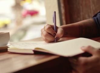 Избавляемся от стресса: снять напряжение в изоляции помогут письменные практики