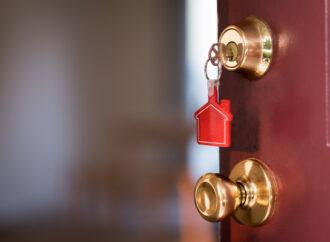Как попасть в квартиру без ключа