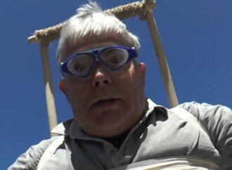 Стрибок без парашута: директор Одеського зоопарку вигадав новий вид спорту (відео)