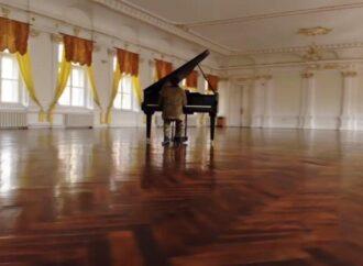 Курсанти Військової академії в Одесі записали оригінальне привітання з Великоднем (відео)