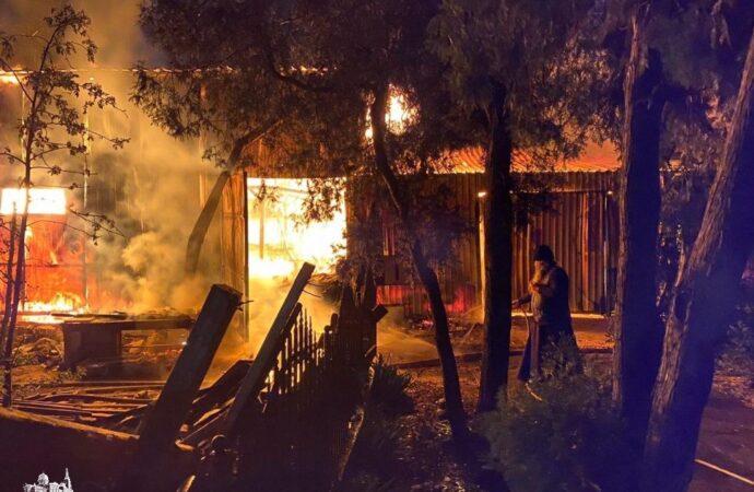 Подозревают поджог: в Одессе горел мужской монастырь (фото, видео)