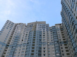 В Одессе выпал из окна высотки 24-летний иностранец