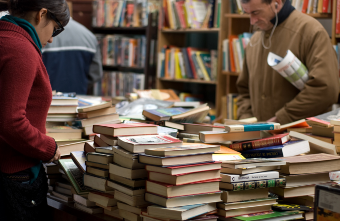 Читать уже не модно, или Куда деваются книги?