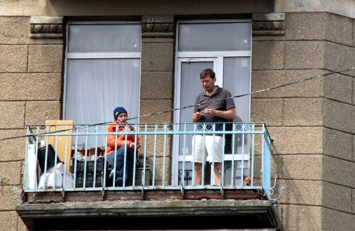 Карантинная жизнь одесских балконов (фото)
