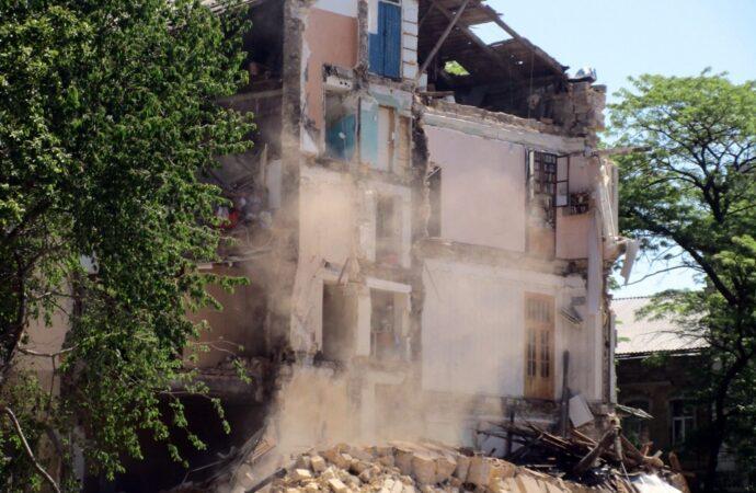 Что произошло в Одессе 19 мая: обвал дома на Торговой, 20 и протест под стенами ОГА