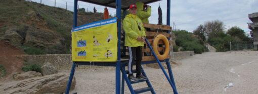 Купаться нельзя, а делать селфи можно: как и зачем охраняют затонувший в Одессе танкер Delfi (фото)
