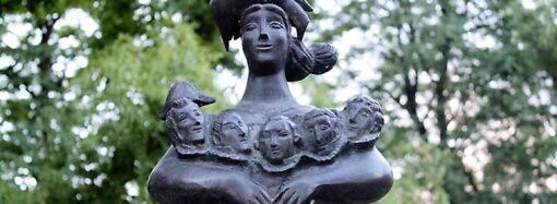 С Днем матери: о памятнике-символе «Одесса-мама»