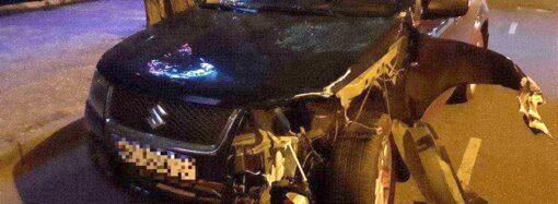 Пьяный водитель уснул: на Среднефонтанской в Одессе столкнулись авто и мотоцикл