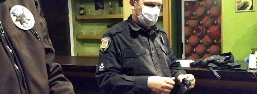 Замаскувалися: в Одесі викрили нелегальні гральні заклади (фото)