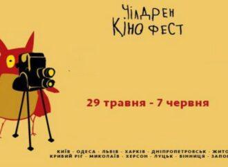 """Пандемия"": девочка из Одесской области сняла фильм о COVID-19 и победила на кинофестивале (видео)"