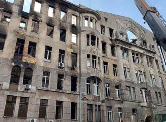 Був у розшуку: ще одного підозрюваного у пожежі Одеського економічного коледжу взяли під варту