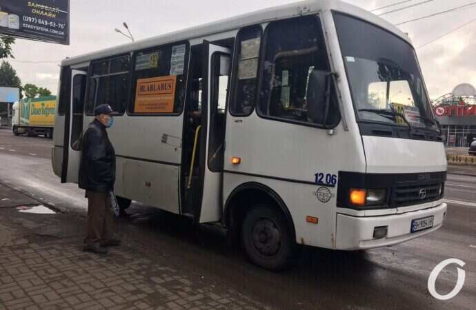 До первого «стоячего» и в масках 50/50: как теперь курсируют маршрутки с поселка Котовского?