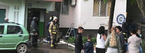 На поселке Котовского сгорела квартира: женщина выпрыгнула из окна и разбилась