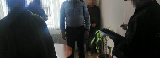 Суд отправил под арест подозреваемых в коррупции одесских таможенников