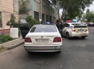 Тест-драйв с угоном: в Одессе задержали преступника на чужой иномарке