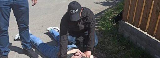 Держінспектора Одеської митниці викрили на систематичному отриманні хабарів
