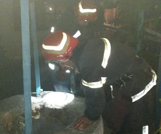 Хотів врятувати кошеня, але зламав собі ногу: на Одещині рятувальники допомогли витягнути чоловіка з цистерни