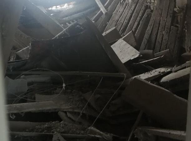 В Одесі у будинку на вулиці Манежна, 34 обвалилася стеля (фото)