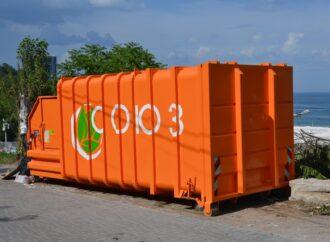 В Аркадії встановили прес для збору сміття