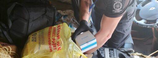 На Одещині прикордонники вилучили майже сотню експрес-тестів на COVID-19 у вантажівці з Туреччини