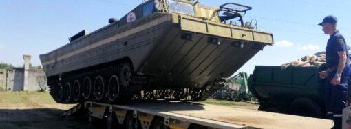 Врятували 10 голів худоби: у місця можливого підтоплення на Одещині завезли спецтехніку (фото)