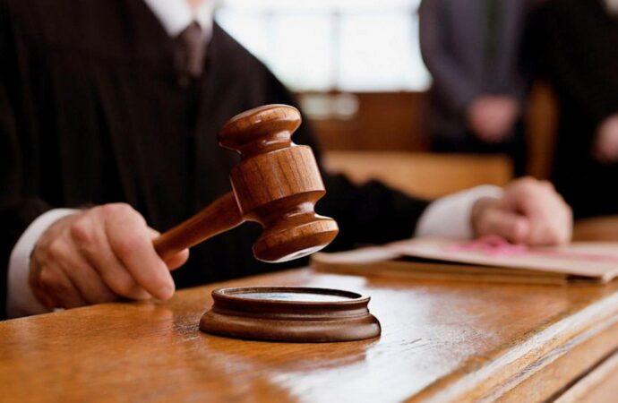 Подмахнул не глядя: одесского чиновника будут судить за нанесение ущерба государству