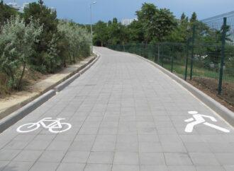 Не хватает разметки: отзывы одесских велосипедистов о велопешеходной эстакаде