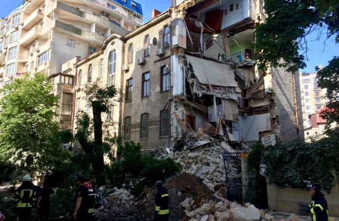 Элитная отделка и шикарный вид из окон: сколько стоили квартиры в рухнувшем доме на Ясной (фото)