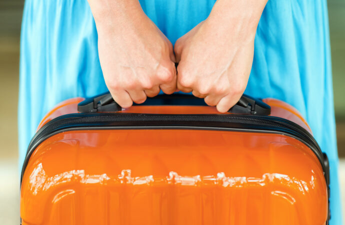 За неуплату коммуналки за границу не пустят: это правда?