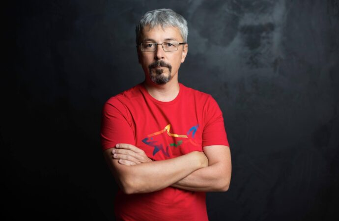 Міністр культури Олександр Ткаченко продав 25% Одеської кіностудії