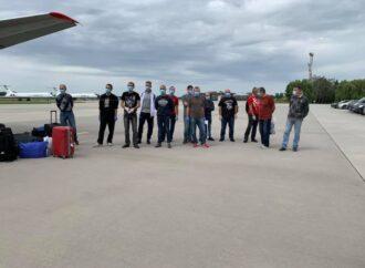 Наконец-то дома: одесские моряки вернулись в Украину из ливийского плена