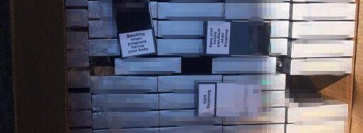 В Одессе перехватили крупную партию контрабандных сигарет (фото)