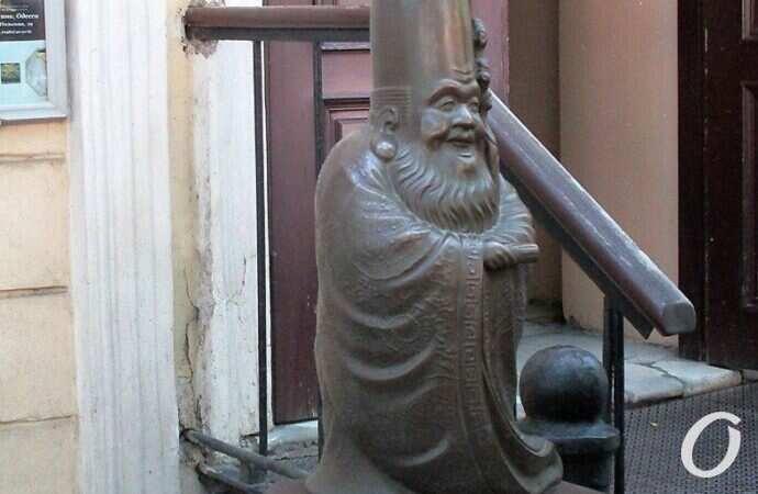 Спешите загадывать желания: в Одессе появилась волшебно-магическая скульптура