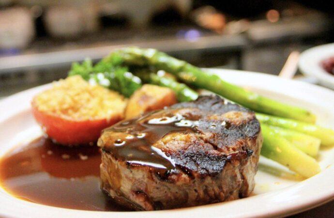 Вкусно с «Одесской жизнью»: 5 секретов хорошего стейка от лучших шеф-поваров