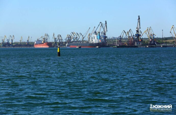 Антикоррупционный суд отстранил от должности замдиректора порта «Южного» – что случилось?
