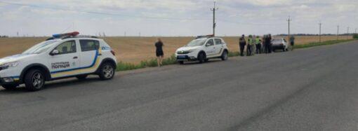 Розстріляли автівку: під Одесою невідомі намагалися скоїти замах на активіста (відео)