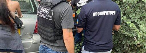 В Одесі затримали чоловіка, який підробляв 500 та 200-гривневі банкноти (фото)